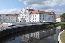 Blick zum Schloss Oranienburg bie Berlin  Lizenziert Blick zum Schloss Oranienburg