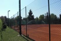 Tennisplatz Straupitz Blick über den Zaun