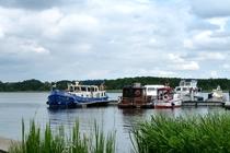 Fürstenberg Hafen am Schwedtsee Steg mit Booten