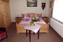 Ferienwohnung Spreewald Schlepzig Schlafzimmer Kleiderschrank Doppelbett