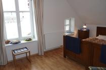 Ferienhaus Elbe Wootz Schlafzimmer 1 Fenster